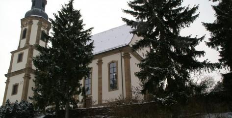 Katholische-Kirche-Dahenfeld-01