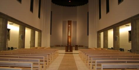 Katholische Kirche Sankt Johannes der Taeufer in Leonberg-01