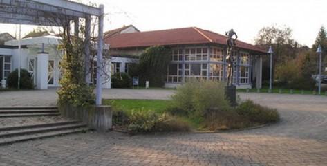 Stadthalle-Neuenstein-00
